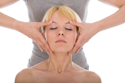 Indian shoulder-head-face massage – CHAMPI